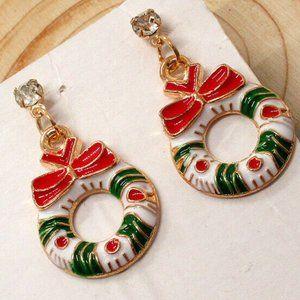 Betsey Johnson Christmas Wreath Earrings Dangle
